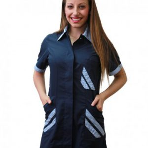 Casacca Rosy donna TCD blu con bottoni automatici 65% poliestere e 35% cotone. Ideale per centri estetici e parrucchierie.