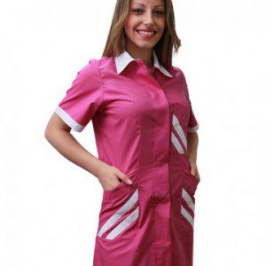 Casacca Rosy donna TCD fucsia con bottoni automatici 65% poliestere e 35% cotone. Ideale per centri estetici e parrucchierie.